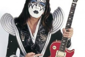 kiss-guitar 2