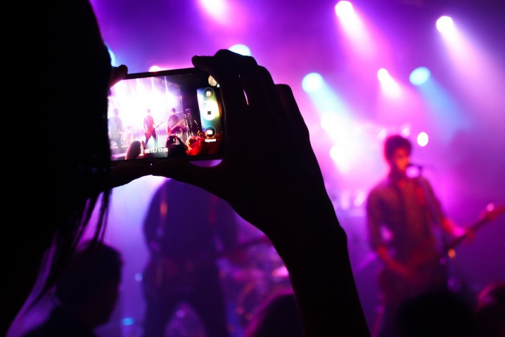 live-music-2219036_1920