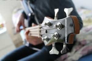 bass-622598_1920