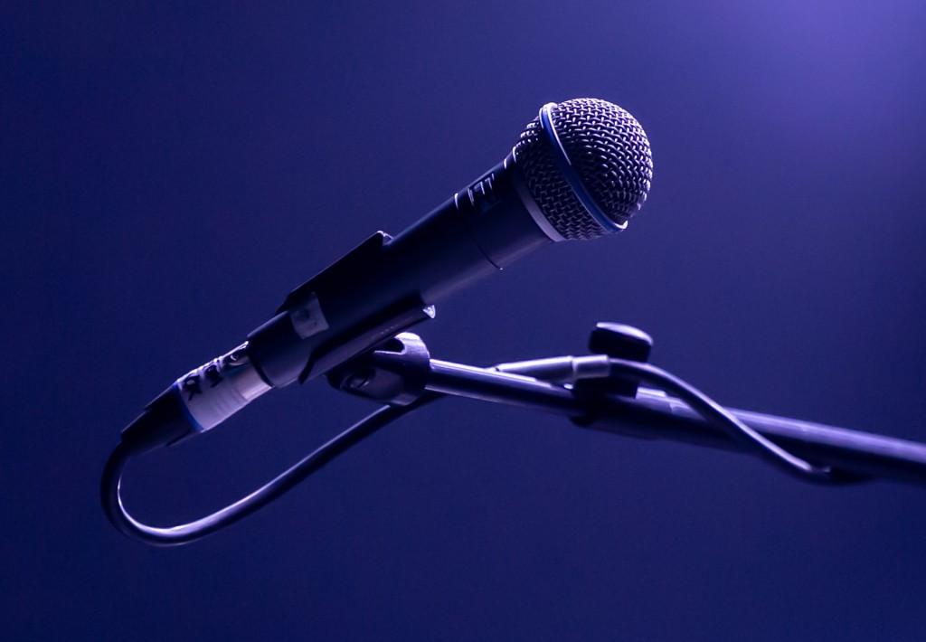 microphone-g4c423f8ce_1920